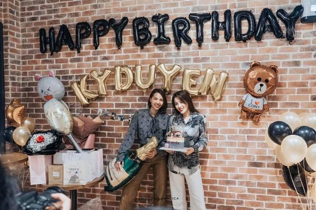 Minh Triệu bí mật thông đồng cùng fan, tổ chức sinh nhật tròn 23 tuổi ấm áp cho Kỳ Duyên - Ảnh 1.