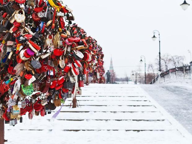 """10 địa điểm """"khóa chặt"""" tình yêu nổi tiếng nhất trên thế giới, không thể không nhắc đến cầu tình yêu ở Việt Nam - Ảnh 5."""
