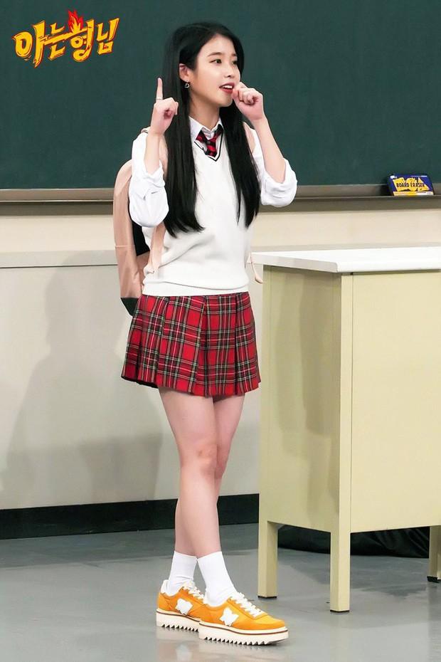 Loạt Idol Kpop phải chạy show quá đà: Lờ đờ, ngủ gục, kiệt sức trên truyền hình - Ảnh 6.
