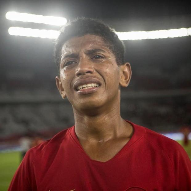 Tài năng trẻ triển vọng bậc nhất bóng đá Indonesia thiệt mạng vì thảm họa động đất - Ảnh 1.