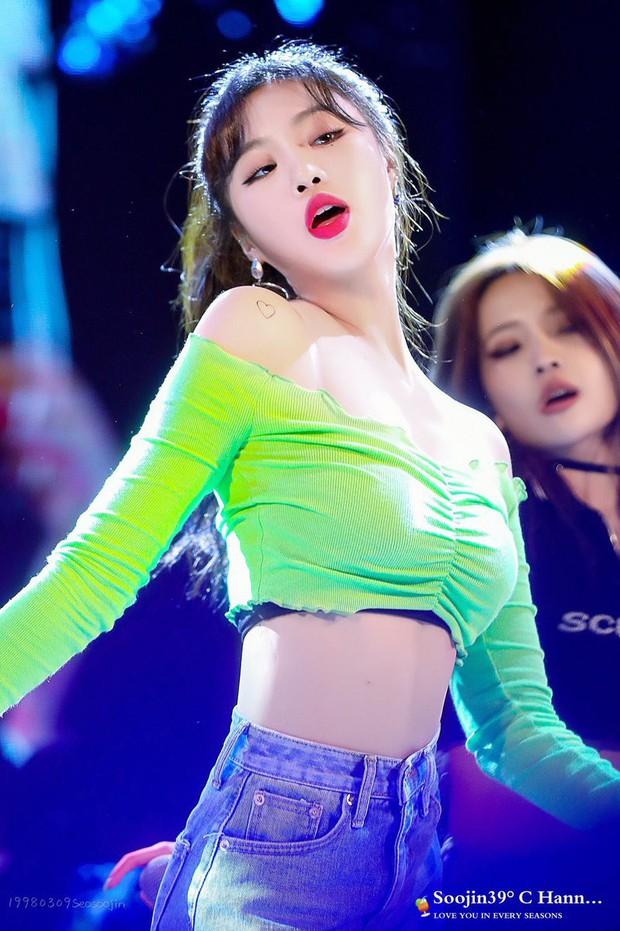 """Những """"nữ hoàng sexy"""" thế hệ mới của Kpop: Body đẹp, thần thái đỉnh cao, gợi cảm mà chẳng cần hở bạo - Ảnh 28."""