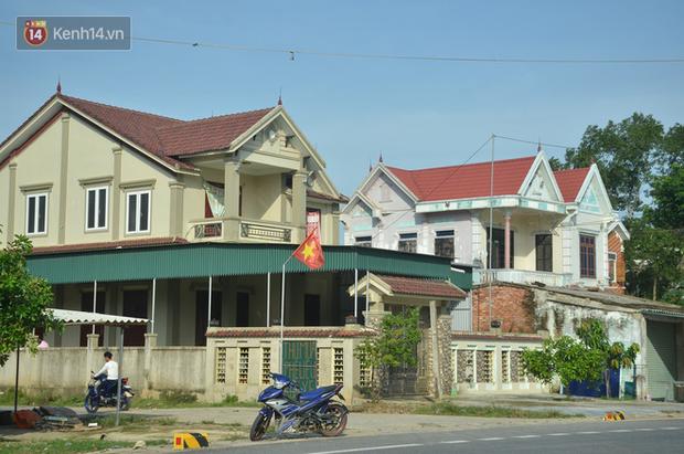 Chùm ảnh: Nhà biệt thự, cao tầng mọc lên như nấm tại xã có hơn 2.000 người xuất khẩu lao động ở Hà Tĩnh - Ảnh 3.