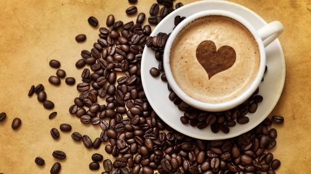 Không những giúp giảm cân, ngăn ngừa mắc bệnh tim mạch, kéo dài tuổi thọ, uống cà phê còn rất có lợi cho đường tiêu hóa - Ảnh 2.