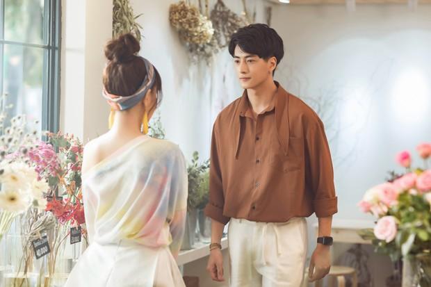 Chẳng còn thơ thơ thẩn thẩn nữa, Phạm Quỳnh Anh mời Trang Hý nhập hội gái ế trong MV mới toanh! - Ảnh 2.