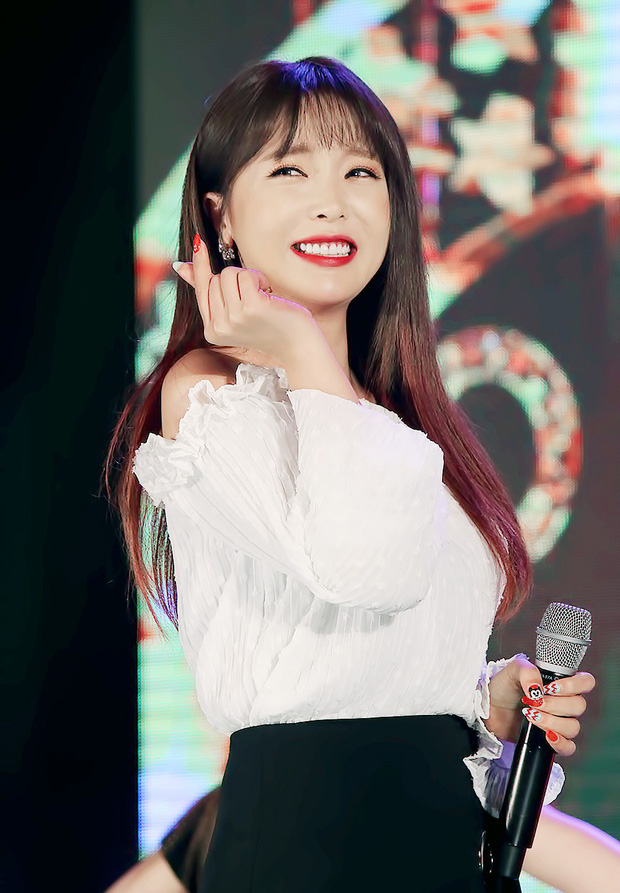 10 ca sĩ dân Hàn yêu thích nhất năm 2019: BTS thắng áp đảo IU và các giọng ca lão làng, duy nhất 2 nhóm idol lọt top - Ảnh 3.