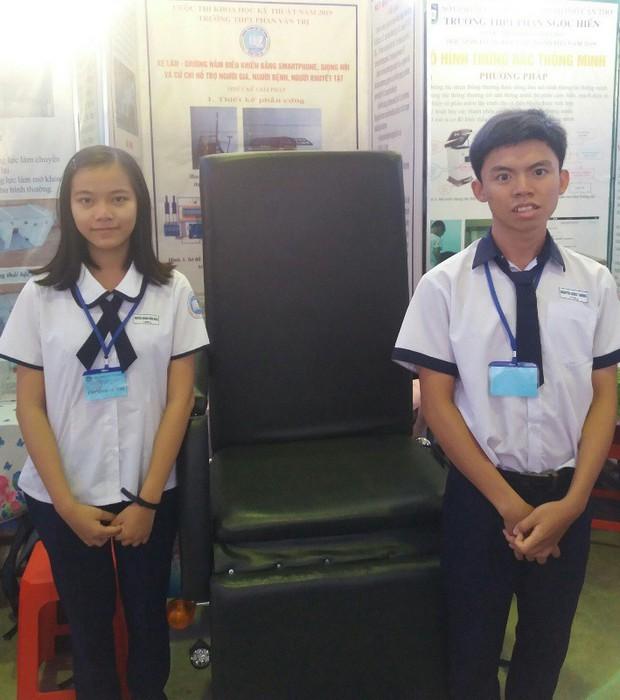 Học sinh chế tạo xe lăn cho người già, khuyết tật đoạt giải đặc biệt - Ảnh 2.