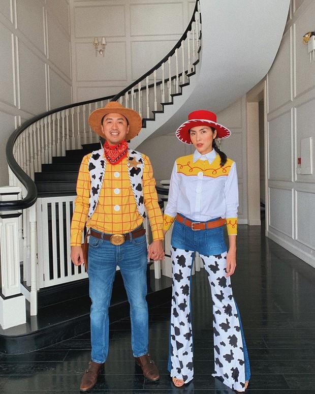 """Vbiz có vợ chồng Hà Tăng thì Cbiz có Châu Kiệt Luân – Côn Lăng """"gây bão"""" với màn hóa trang Halloween quá tình cảm - Ảnh 1."""