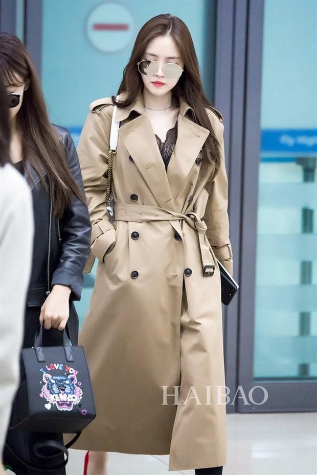 Trời mưa lạnh diện trench coat là chuẩn bài, và để mặc cho đẹp thì bạn phải học ngay các mỹ nhân Hàn - Ảnh 12.