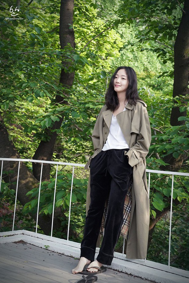 Trời mưa lạnh diện trench coat là chuẩn bài, và để mặc cho đẹp thì bạn phải học ngay các mỹ nhân Hàn - Ảnh 14.