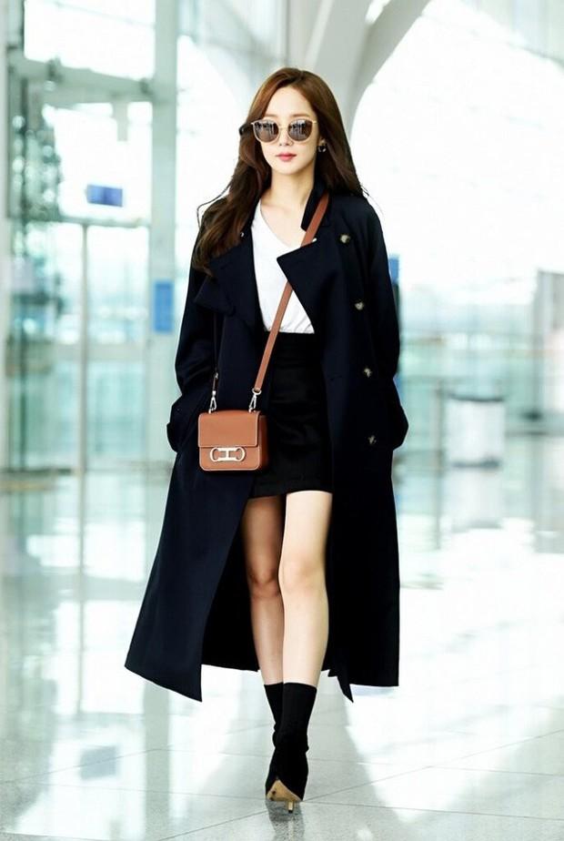 Trời mưa lạnh diện trench coat là chuẩn bài, và để mặc cho đẹp thì bạn phải học ngay các mỹ nhân Hàn - Ảnh 10.