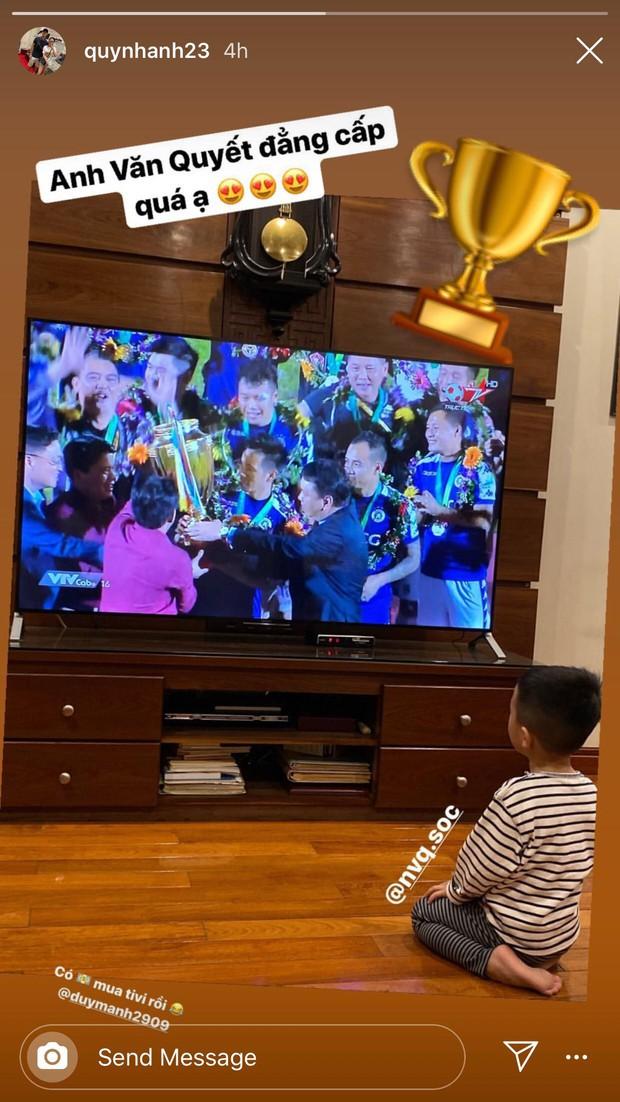 Quỳnh Anh khen anh rể Văn Quyết đá đẳng cấp, vẫn không quên nhắc Duy Mạnh mua TV mới sau chức vô địch - Ảnh 1.