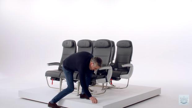 Video hài hước hướng dẫn an toàn trên máy bay cực ăn khách với sự góp mặt của những ngôi sao nổi tiếng đến từ xứ sở sương mù - Ảnh 7.
