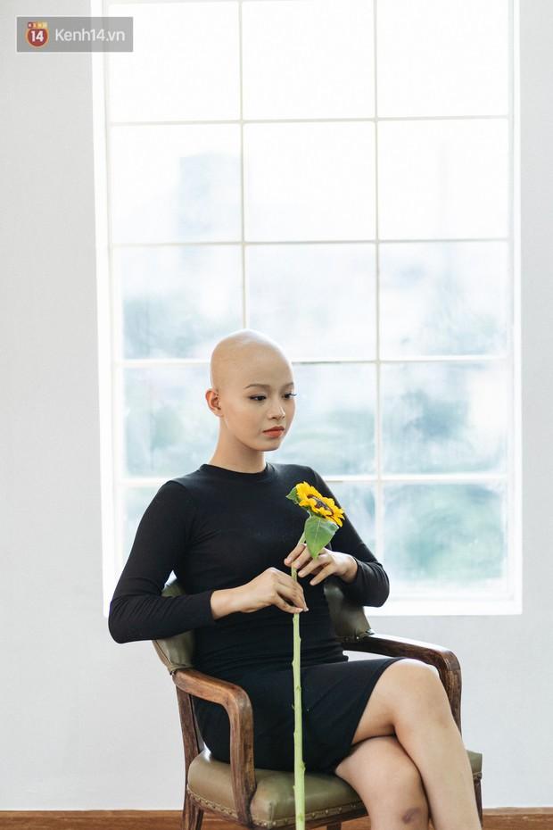 Nữ sinh ung thư vào chung kết cuộc thi sắc đẹp ĐH Ngoại Thương với mái đầu trọc: Em luôn tin mình sẽ khỏi bệnh - Ảnh 5.