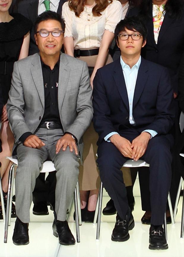 Con trai chủ tịch công ty giải trí hàng đầu Hàn Quốc SM: Thạo 3 ngôn ngữ, học tại ngôi trường dành cho những người ưu tú nhất nước Mỹ - Ảnh 1.