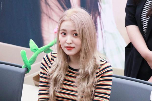 Yeri bất ngờ bình luận dưới ảnh của cố nghệ sĩ Jonghyun 4 năm trước, netizen vừa xúc động vừa hoang mang tột độ - Ảnh 7.