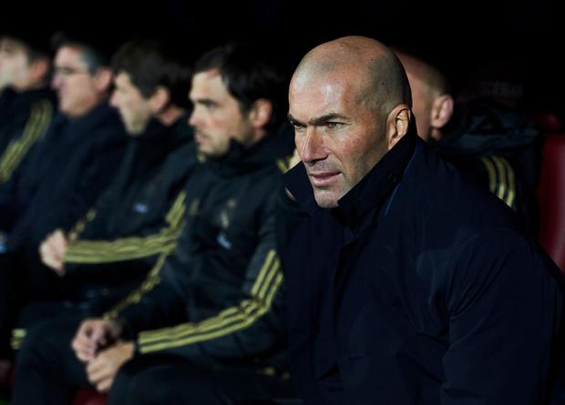 Thủ thành thảm họa phá kỷ lục của người tiền nhiệm, Real Madrid thắng đậm để bám sát gót kình địch Barcelona - Ảnh 7.