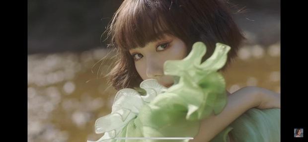 Nếu Kpop có Jennie thay tới 22 bộ outfit trong MV Solo thì Vpop có Min chơi lớn mặc 12 bộ váy khác nhau trong Vì Yêu Cứ Đâm Đầu - Ảnh 13.