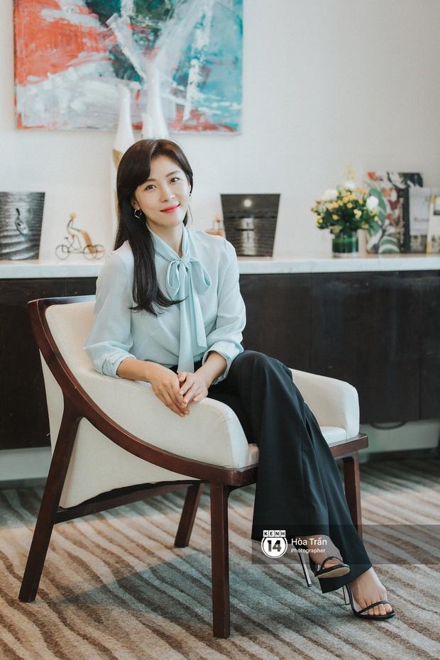 Phỏng vấn Hoàng hậu Ki Ha Ji Won tại Việt Nam: Không dưới 10 lần định bỏ làm diễn viên, tiết lộ bí quyết giữ nhan sắc hack tuổi - Ảnh 9.