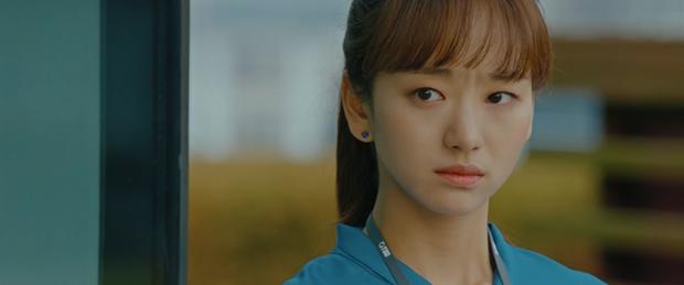 Bị bồ bắt quả tang ôm người yêu cũ, Ji Chang Wook liệu còn quyền ghen với tình địch kém 30 tuổi? - Ảnh 3.