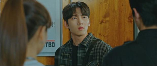 Bị bồ bắt quả tang ôm người yêu cũ, Ji Chang Wook liệu còn quyền ghen với tình địch kém 30 tuổi? - Ảnh 9.