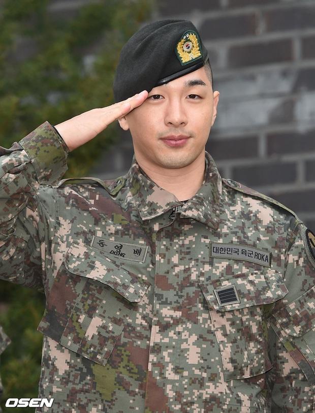 Taeyang và Daesung (BIGBANG) chính thức xuất ngũ: Béo lên trông thấy, vui mừng trước 1000 fan vây kín cả khu vực - Ảnh 5.