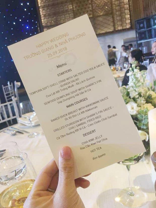 """""""Đọ"""" thử bữa tiệc đám cưới của các sao Việt: mỗi thực đơn một khác nhưng toàn là món đắt tiền và khó kiếm - Ảnh 9."""