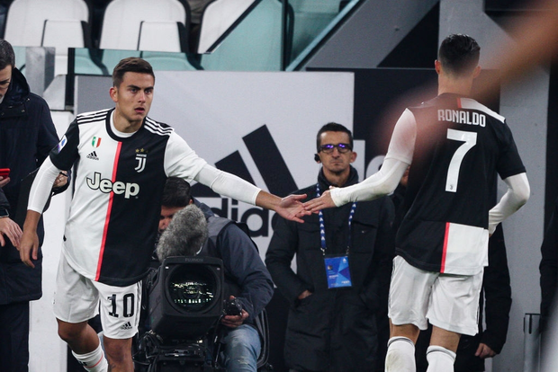 Ronaldo vùng vằng khi bị thay ra ngay từ phút 55, càng trớ trêu hơn khi người thay anh lại trở thành cứu tinh của đội - Ảnh 5.