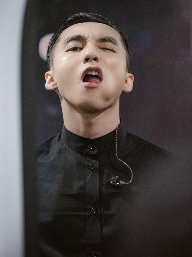 Chủ tịch Sơn Tùng M-TP bất ngờ xuất hiện trong 100 trai đẹp nhất châu Á, visual cực phẩm thế này bảo sao lọt top! - Ảnh 9.