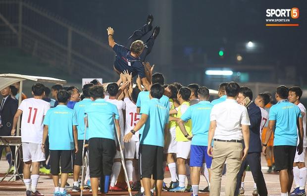 U19 Việt Nam và Nhật Bản câu giờ ở 10 phút cuối trận: Toan tính hợp lý hay phi thể thao? - Ảnh 5.