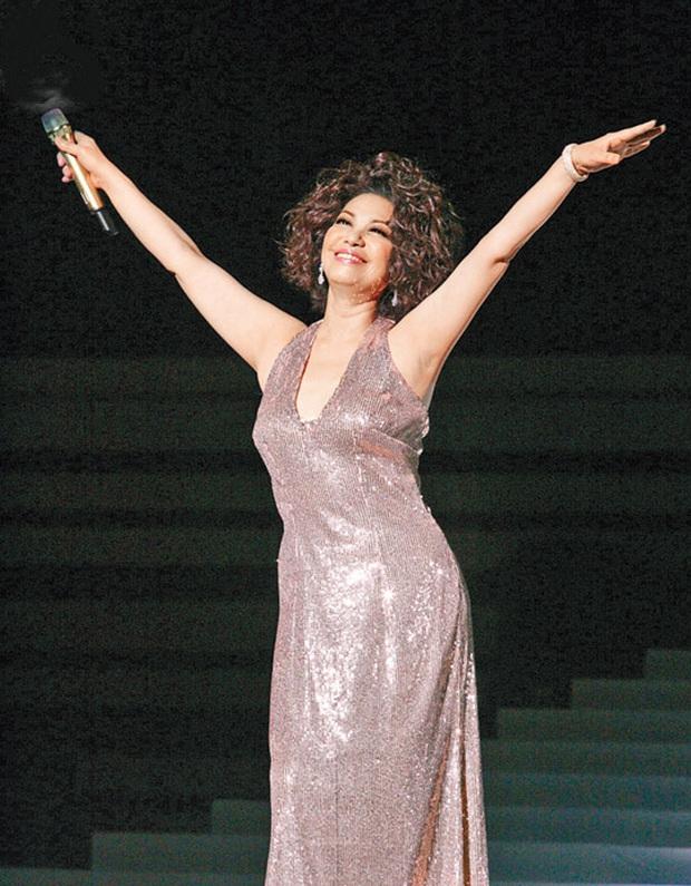 Diva thảm nhất showbiz Đài: 10 năm không chăn gối, bị chồng cắm sừng và tuổi xế chiều cô độc 1 mình chẳng con cái - Ảnh 5.