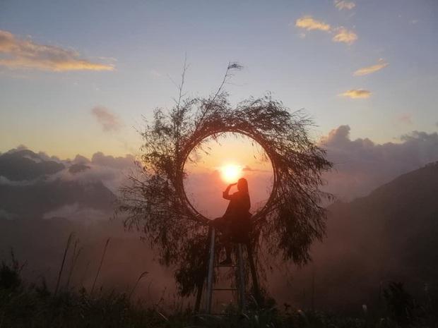 Sau 7 tháng hoãn lên hoãn xuống, cầu kính hoành tráng ở gần Sa Pa đã chính thức lộ diện hình ảnh thật cùng ngày khai trương - Ảnh 5.