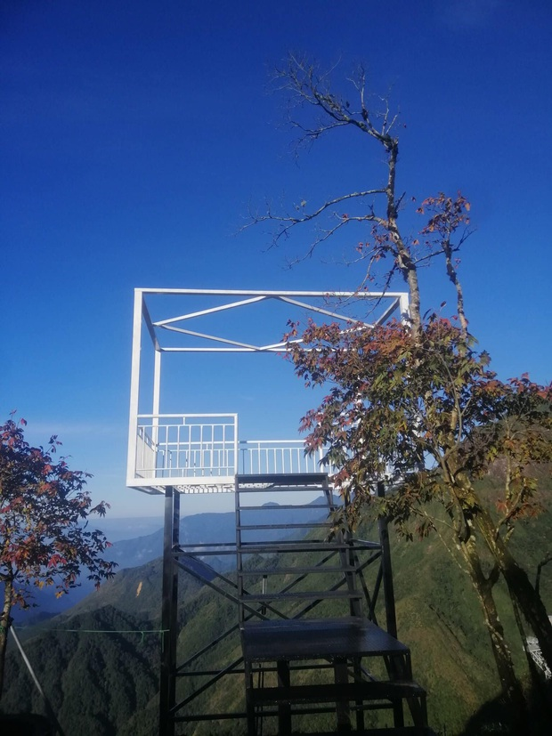 Sau 7 tháng hoãn lên hoãn xuống, cầu kính hoành tráng ở gần Sa Pa đã chính thức lộ diện hình ảnh thật cùng ngày khai trương - Ảnh 7.