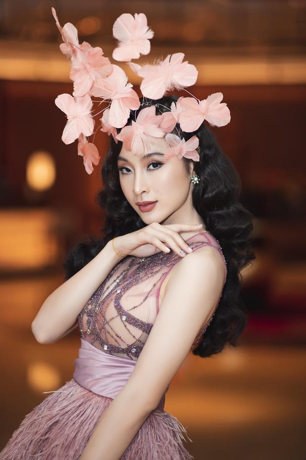Lâu lắm mới dự sự kiện, Angela Phương Trinh giữ vững vị trí nữ hoàng thảm đỏ với màn đội cả rừng hoa lộng lẫy - Ảnh 2.