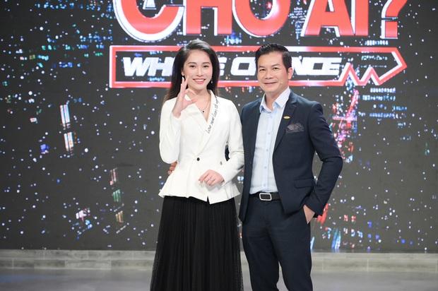 Vợ Á hậu kém 16 tuổi tình cảm tháp tùng Sếp Hưng đi quay show thực tế - Ảnh 4.