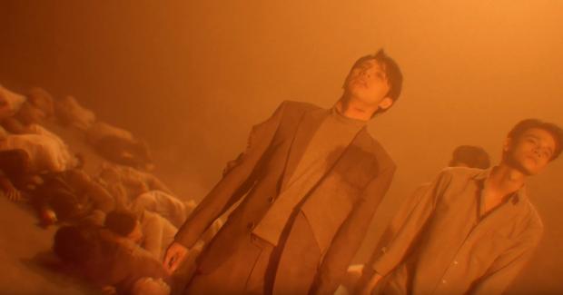 Vừa ôm Đông Nhi khóc rưng rức trong siêu đám cưới, Noo Phước Thịnh lại chấn thương tơi tả trong teaser MV Im Still Loving You - Ảnh 4.