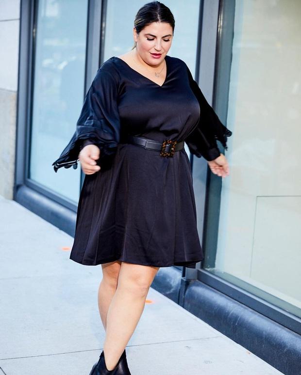 Nàng béo 80kg tự tin nhất thế giới: Cosplay cả dàn sao Hollywood nóng bỏng, chẳng ngán diện đồ bó sát dù lộ đầy nhược điểm - Ảnh 1.