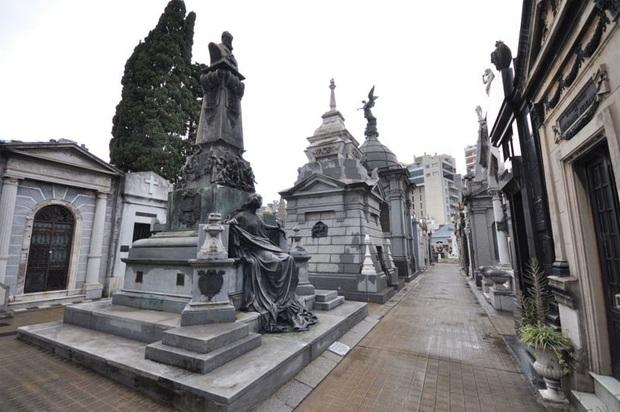 Vẻ đẹp của các nghĩa trang cổ khắp thế giới - Ảnh 3.