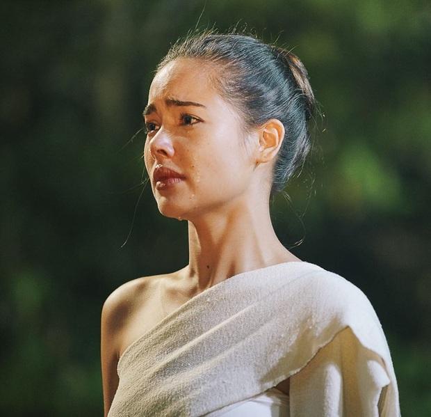 Mốt lạ trong phim Thái: Nữ chính cân hai vai, bánh bèo hay My Sói cũng đều không ngán - Ảnh 8.