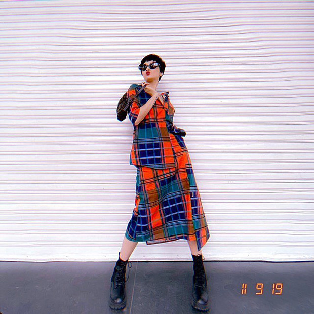 Street style sao Việt: Chi Pu diện áo corset khoe body nhỏ đến khó tin, Ngọc Trinh lại bất ngờ kín cổng cao tường - Ảnh 11.
