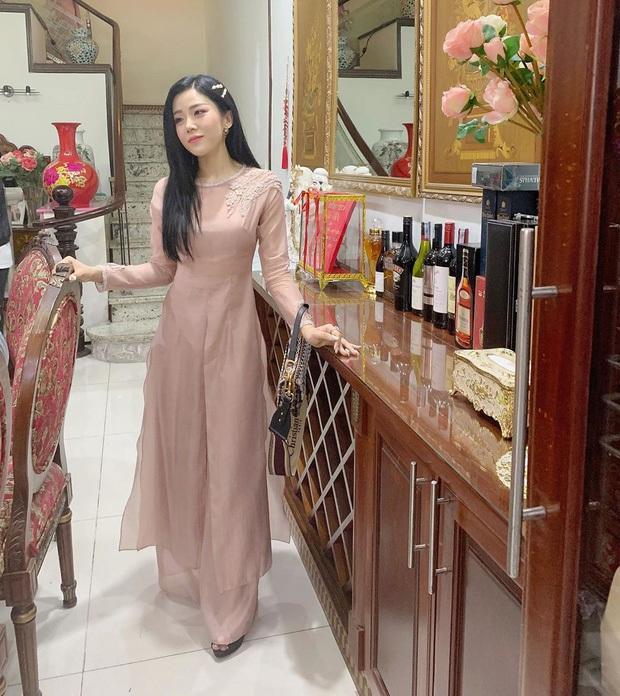 Cuối cùng em gái Ông Cao Thắng cũng chịu khoe ảnh chụp chung với cô dâu chú rể ở Phú Quốc rồi! - Ảnh 5.