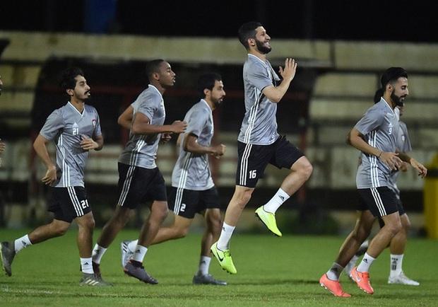 Trưởng đoàn đội tuyển UAE chê Hà Nội không có sân đẹp - Ảnh 2.
