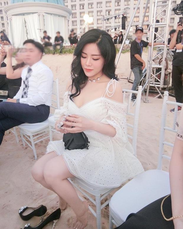 Cuối cùng em gái Ông Cao Thắng cũng chịu khoe ảnh chụp chung với cô dâu chú rể ở Phú Quốc rồi! - Ảnh 2.