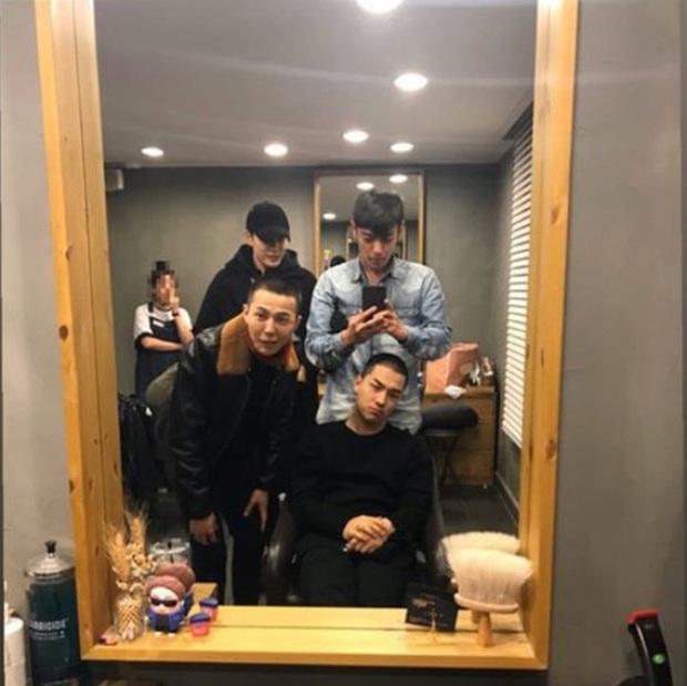 Mất máu loạt ảnh chưa chỉnh sửa khoe visual quá đỉnh của T.O.P, diện mạo mới báo hiệu BIGBANG sắp comeback? - Ảnh 2.