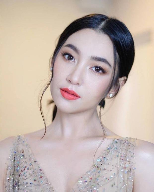 Dàn mỹ nhân Thái lột xác khi diện đồng phục học sinh: Baifern, Taew quá xinh nhưng chưa đỉnh bằng chị đại trường học - Ảnh 18.