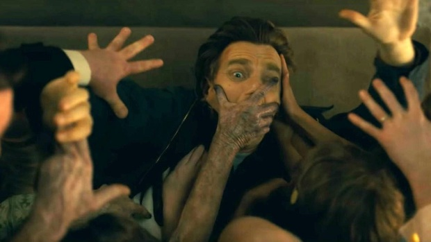 Doctor Sleep: Hậu truyện cầu toàn của The Shining ám ảnh chưa dứt nhưng lần đầu ma quái lại xinh như mộng - Ảnh 16.