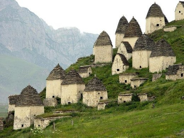 """Khám phá vẻ đẹp vừa yên bình vừa ma mị của ngôi làng nước Nga được mệnh danh """"thành phố chết, đã bước vào thì khó trở ra - Ảnh 3."""