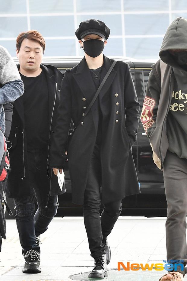 Jungkook lần đầu xuất hiện sau scandal gây tai nạn, Jin thẫn thờ cùng các thành viên BTS đổ bộ sân bay - Ảnh 5.