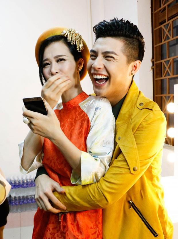 Đông Nhi nói về khoảnh khắc xúc động ôm Noo Phước Thịnh cùng khóc trong hôn lễ: Dù có giận thì cũng giúp chúng tôi hiểu nhau hơn - Ảnh 3.