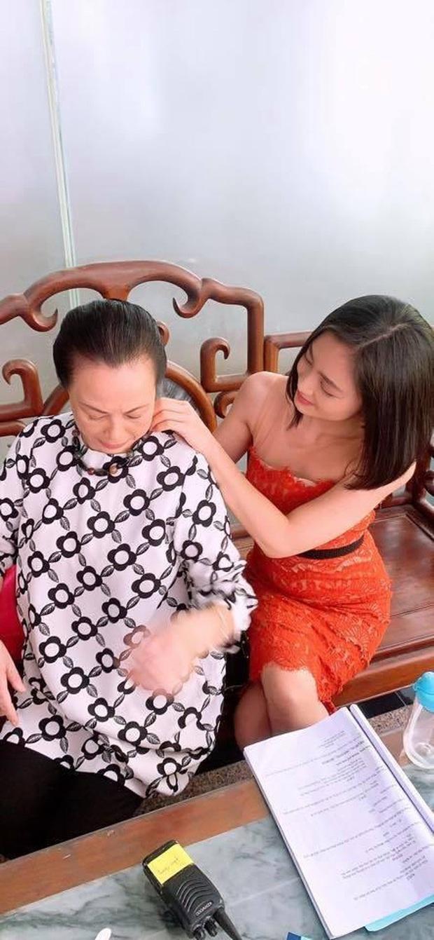 Lộ ảnh San (Hoa Hồng Trên Ngực Trái) chị chị em em với cựu mẹ chồng: Ô hay thế là lại tái hợp với Dũng à? - Ảnh 3.
