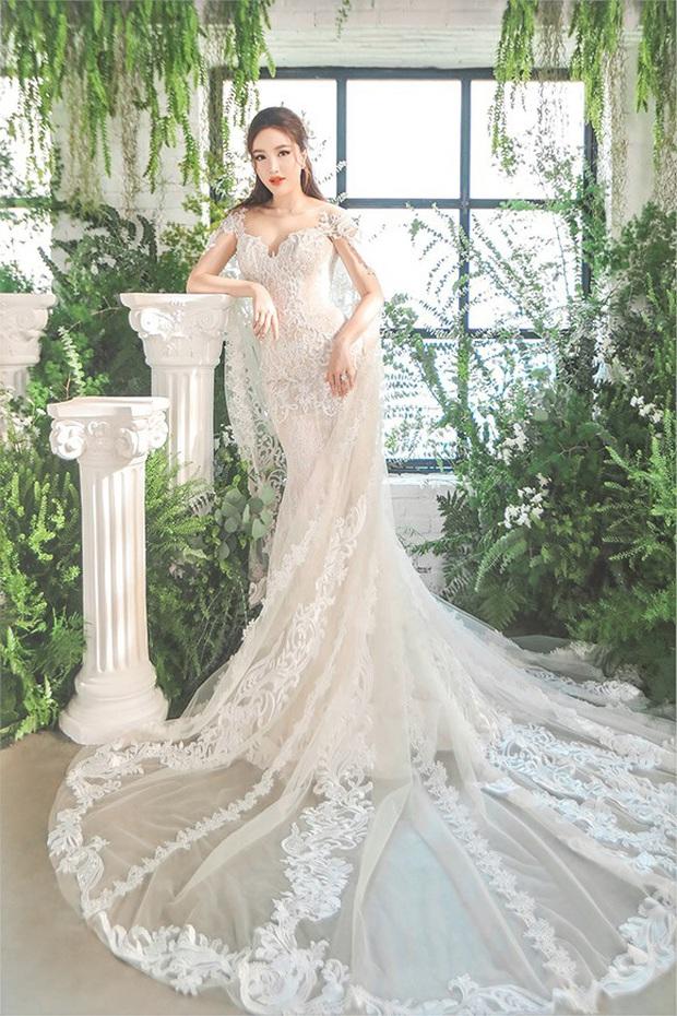 Bảo Thy khoe 3 mẫu váy cưới lộng lẫy, trong đó có 1 bộ phảng phất thiết kế kinh điển của Công nương Kate - Ảnh 1.